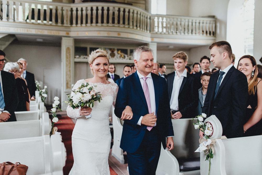 schloss-linnep- bohemian_1437 Hochzeitsfotograf schloss linnepJulia & René fröhliche Juni Hochzeit im Schloss Linnepschloss linnep bohemian 1437
