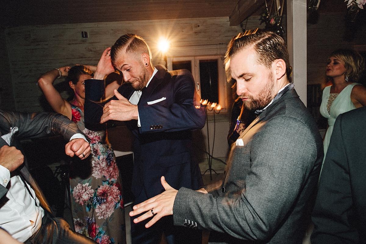 hochzeitsfotograf-boho-ibiza-duesseldorf Anna & Daniel Ibiza Feeling in Düsseldorf auf dem Hausboothochzeitsfotograf boho ibiza nrw kreativ wedding 257