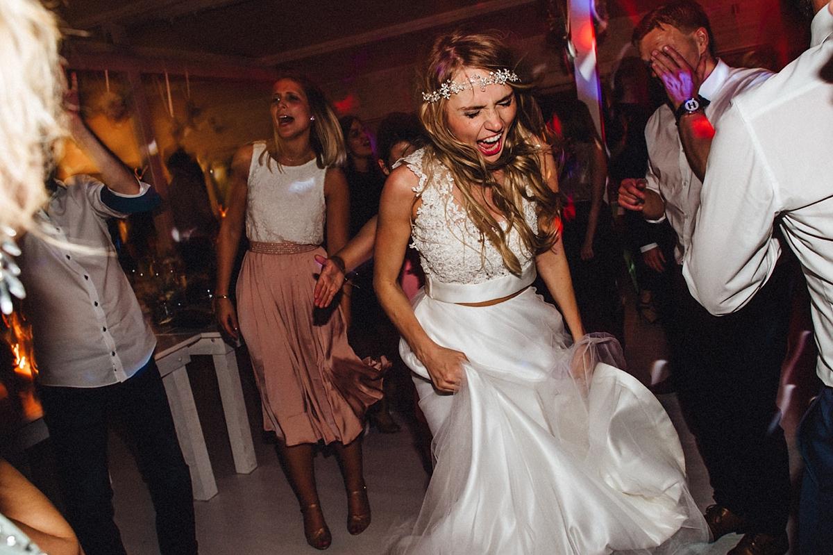 hochzeitsfotograf-boho-ibiza-duesseldorf Anna & Daniel Ibiza Feeling in Düsseldorf auf dem Hausboothochzeitsfotograf boho ibiza nrw kreativ wedding 262