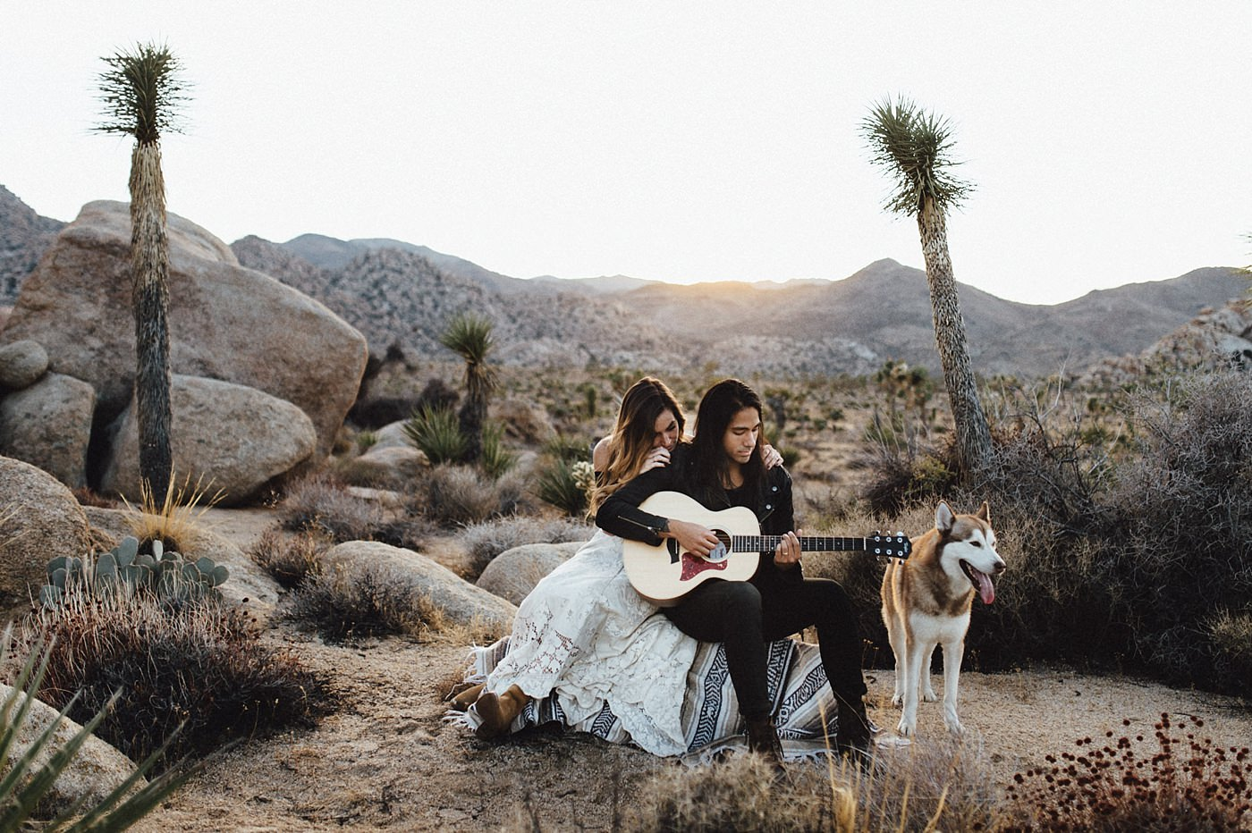 international-elopement-photographer_0192 Kinsey & Josh & Banjo Photographer in Joshuatreeinternational elopement photographer 0192