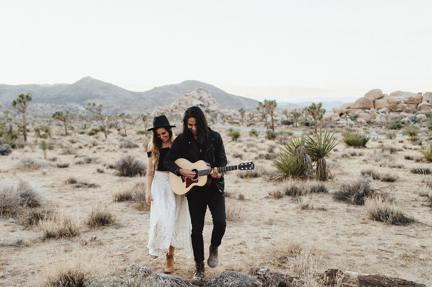 international-elopement-photographer_0198 Kinsey & Josh & Banjo Photographer in Joshuatreeinternational elopement photographer 0198