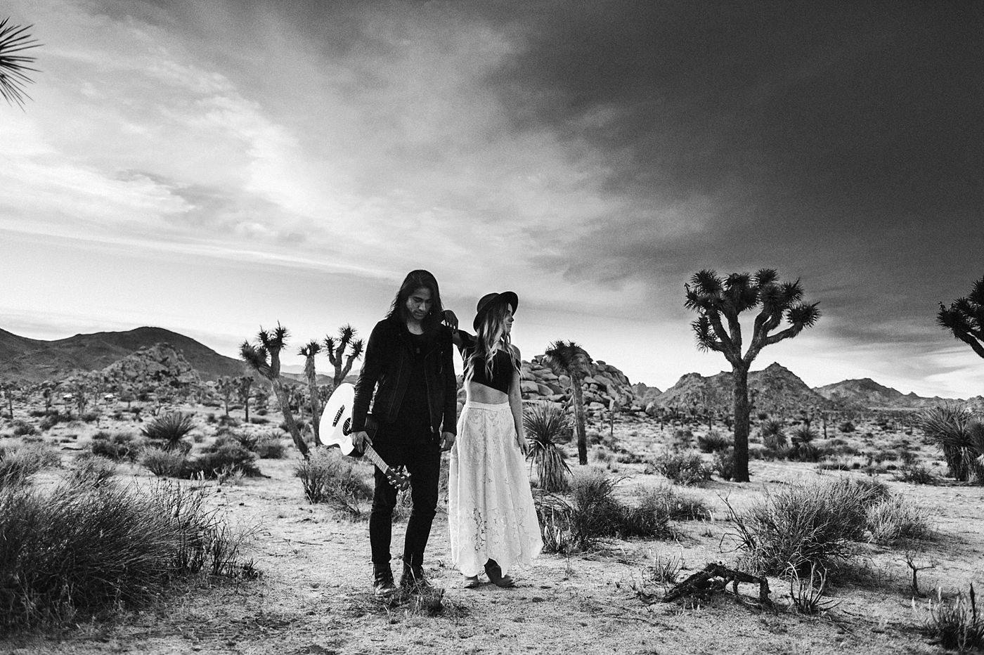 international-elopement-photographer_0209 Kinsey & Josh & Banjo Photographer in Joshuatreeinternational elopement photographer 0209
