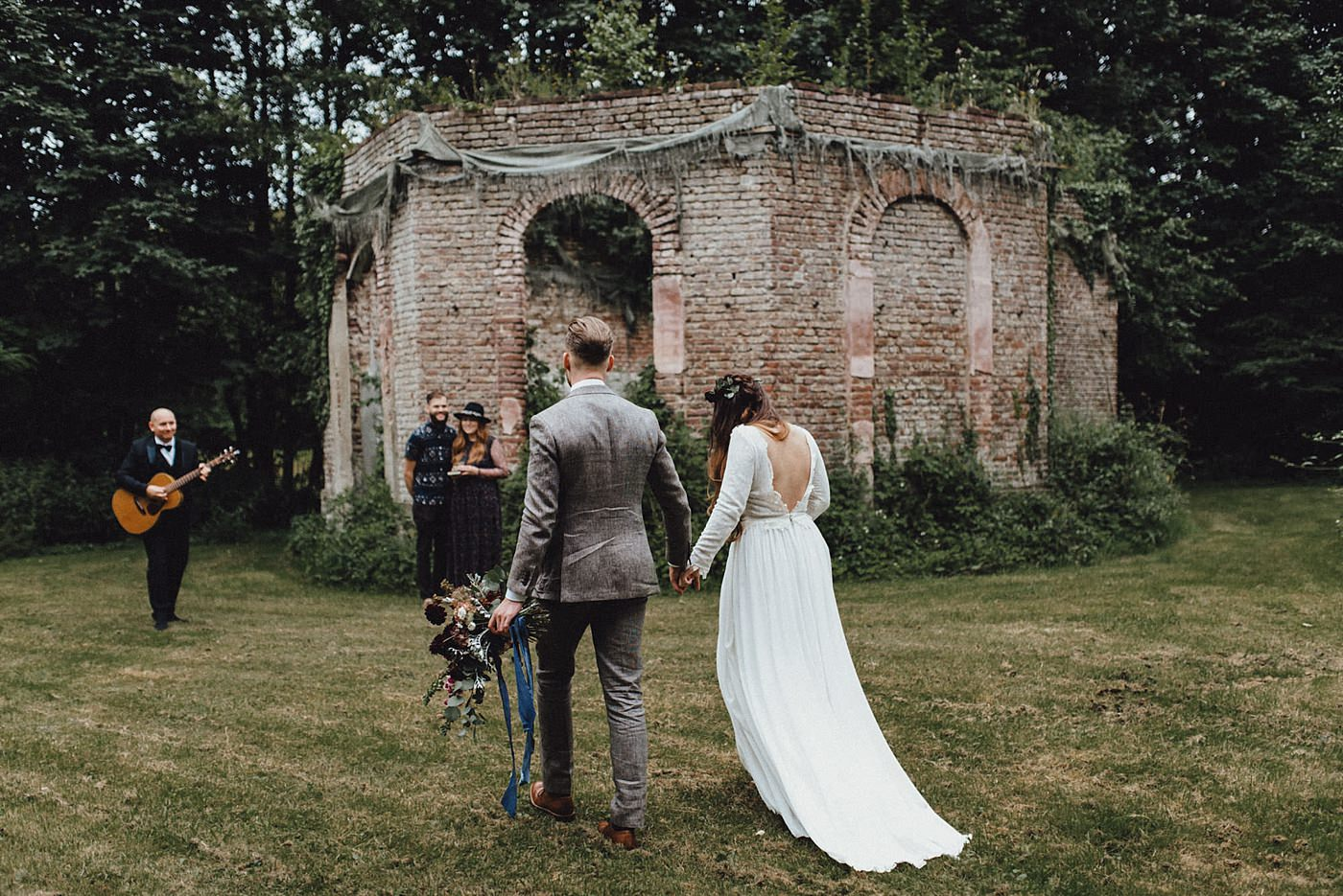 urban-elopement-wedding-112 Merve & Nils emotionales Elopement - Wedding Wesel & Schottlandurban elopement wedding 112 1