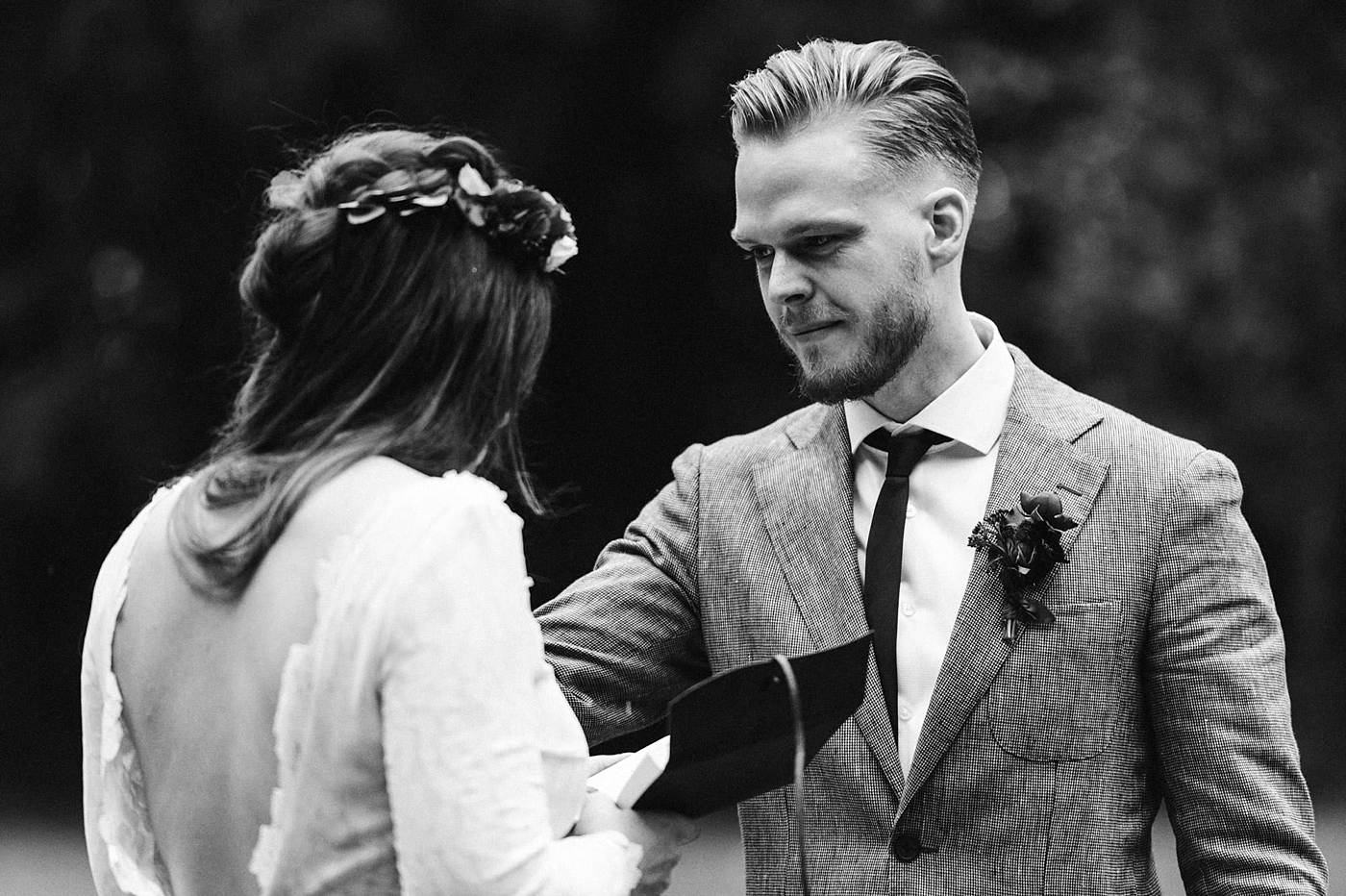 urban-elopement-wedding-113 Merve & Nils emotionales Elopement - Wedding Wesel & Schottlandurban elopement wedding 113 1