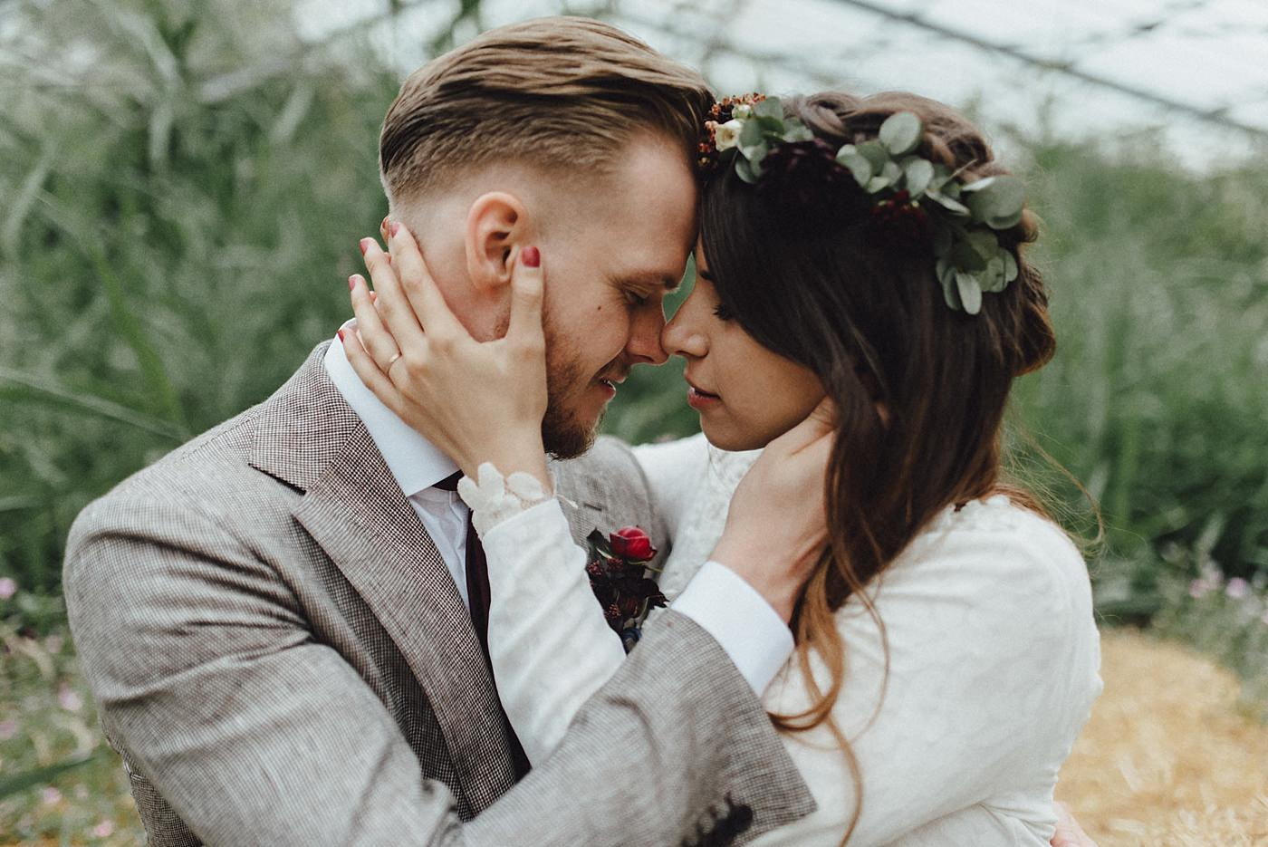 urban-elopement-wedding-184 Merve & Nils emotionales Elopement - Wedding Wesel & Schottlandurban elopement wedding 184 1