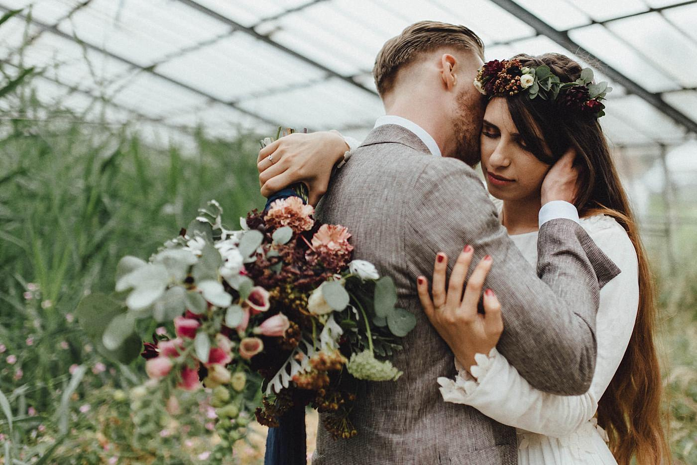 urban-elopement-wedding-192 Merve & Nils emotionales Elopement - Wedding Wesel & Schottlandurban elopement wedding 192 1