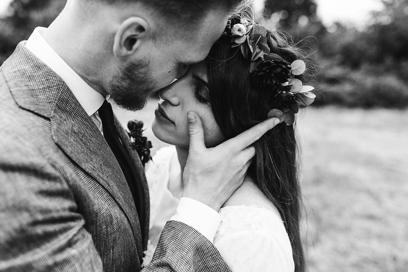 urban-elopement-wedding-220 Merve & Nils emotionales Elopement - Wedding Wesel & Schottlandurban elopement wedding 220 1
