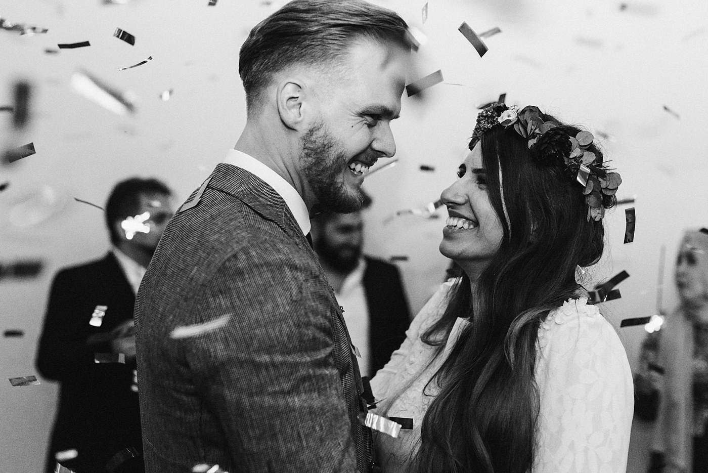 urban-elopement-wedding-273 Merve & Nils emotionales Elopement - Wedding Wesel & Schottlandurban elopement wedding 273 1